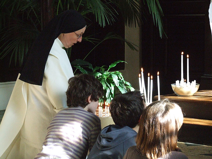 Adoration-du-TSS-et-Confession-06.03.09-(39)---Copie